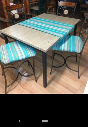 Kitchen table for Sale in Corcoran, CA