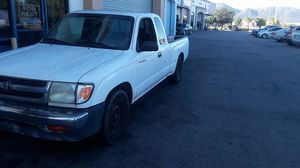 99 Toyota Tacoma xtra cab for Sale in Murrieta, CA
