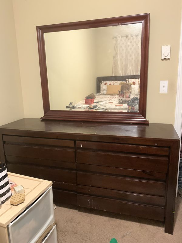 DRESSER WITH MIRROR. PRICE NEGOTIABLE!!