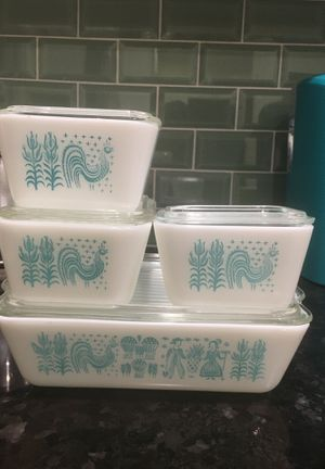 Vintage Pyrex Amish butter print refrigerator 8 piece set for Sale in Whittier, CA