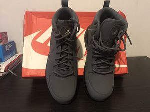 Nike Manoa leather boots for Sale in Brentwood, MD