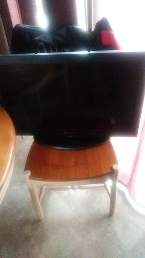Flat screen not smart tv only hdmi for Sale in Wenatchee, WA