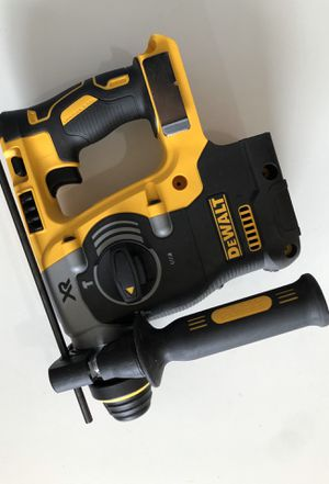 """Dewalt new rotary hammer 1"""" for Sale in Los Angeles, CA"""