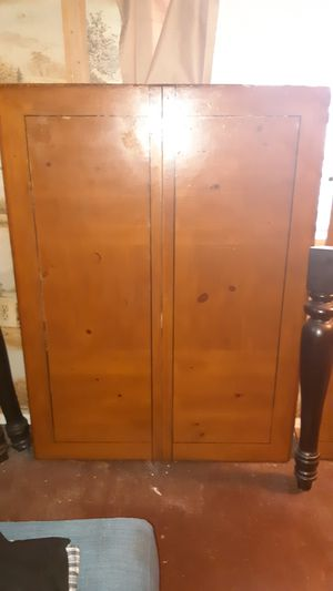 Real Cherry wood table n chairs for Sale in Houston, TX