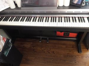 ROLAND PIANO 2500 SERIES FOR SALE NEEDS WORK! for Sale in Oakland, CA