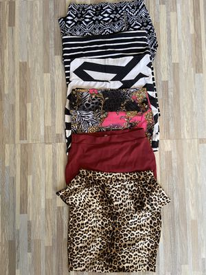 Juniors skirt lot size Medium for Sale in Apache Junction, AZ