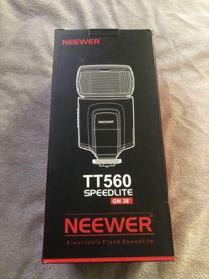 Neewer TT560 Flash Speedlite for Sale in Phoenix, AZ