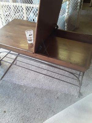 Coffee table for Sale in Pomona, CA