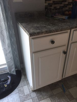 Kitchen cabinet for Sale in Belvidere, IL
