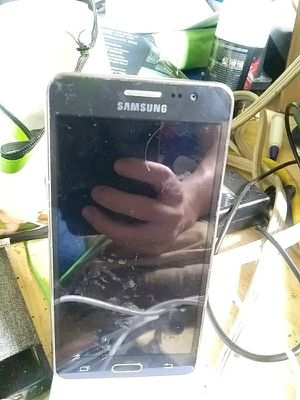 Samsung Galaxy Phone for Sale in Wichita, KS