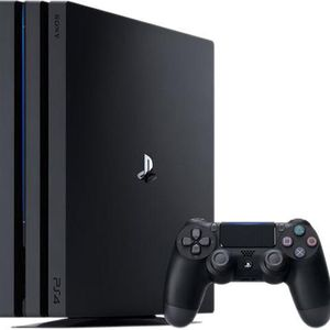 1 Tb Ps4 With Controller for Sale in Hollywood, FL