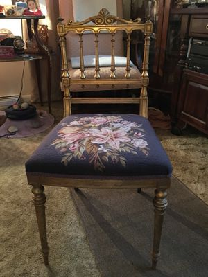 Antique Child's Chair for Sale in Halethorpe, MD