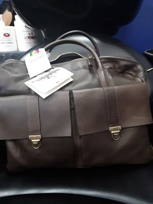 Brand New Italian Brown Leather Messenger Bag for Sale in Saugus, MA
