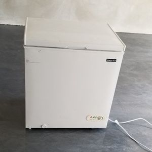 Deep Freezer 5.2 Cu. Ft. for Sale in San Antonio, TX