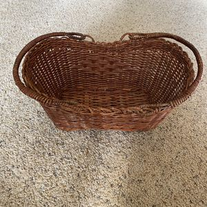 ‼️Wicker Basket with Collapsible Handles‼️ for Sale in Edgar, WI