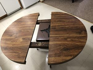 Extendable kitchen & dining table for $35 for Sale in Macomb, IL