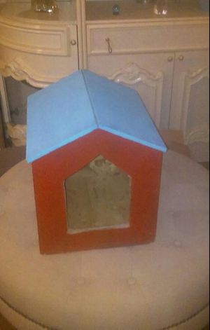 NEW Little Dog House for Tiny Breeds of dogs and cats $20. FIRM! for Sale in Modesto, CA