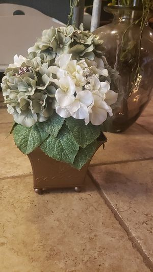 Small Topiary faux plant in copper pot for Sale in Bothell, WA