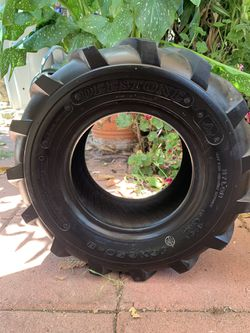 Deestone tire for Sale in Los Angeles,  CA