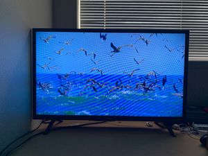 TCL ROKU TV w Remote 32 In for Sale in Eugene, OR