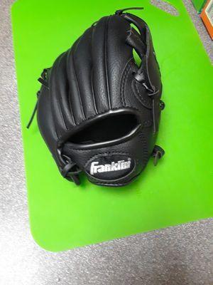 Youth baseball glove for Sale in Nashville, TN