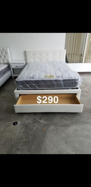 Queen bed frame with mattress included for Sale in Lakewood, CA