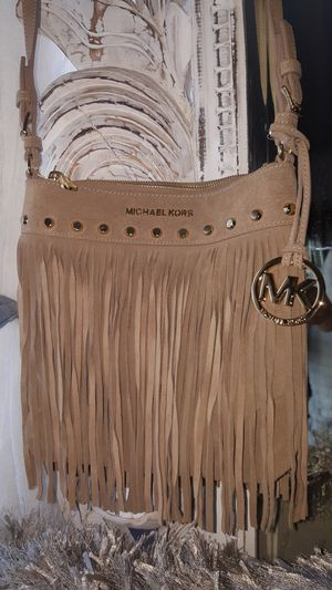 AUTHENTIC BEAUTIFUL MICHAEL KORS CROSSBODY for Sale in Hawthorne, CA