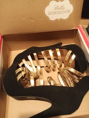 Women's high heels size 8 for Sale in San Diego, CA