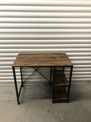 Office table/ computer desk for Sale in Las Vegas, NV