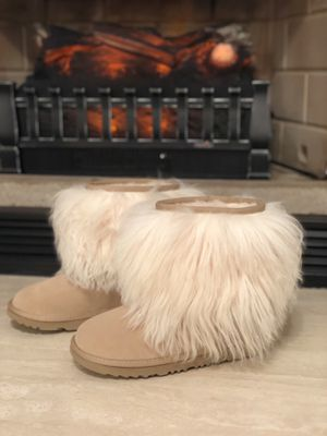 Special Edition Authentic UGG shoes - Size US 4 for Sale in Rockville, MD