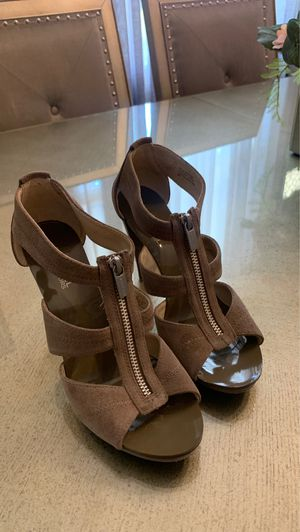 Michael kors shoes size 9 for Sale in Riverside, CA