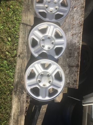 """Jeep wheels five total 16"""" x 8 with sensors no rust for Sale in Finksburg, MD"""