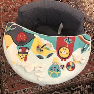Crate And Barrel Land Of Nod Activity chair for Sale in Woodbridge, VA