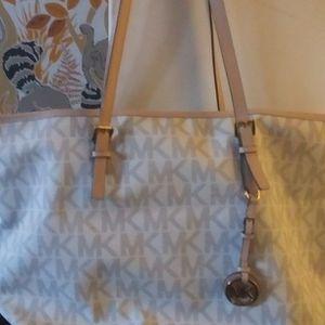 Michael Kors Handbag for Sale in Woodbridge, VA