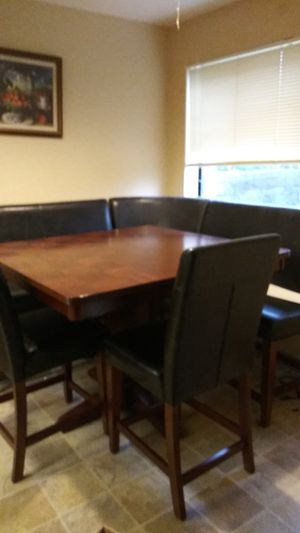 Restaurant style dining table..sits 6 for Sale in Kenmore, WA