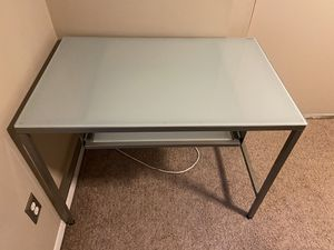 40x26 glass top desk for Sale in Coram, NY