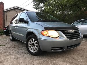 2006 Chrysler Town&country Mini Van for Sale in Medina, OH