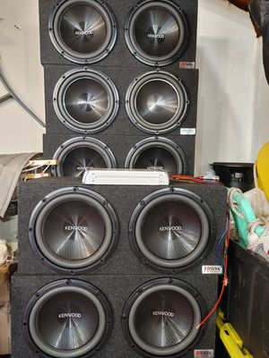 Subwoofer& amplifier for Sale in Sterling Heights, MI