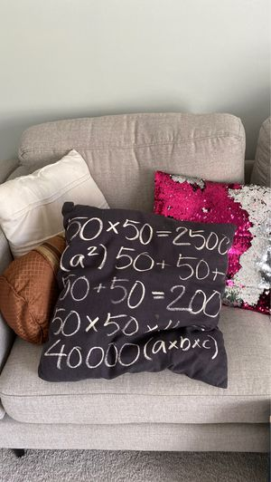 4 sofa pillows for Sale in Atlanta, GA