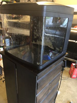 Oceanic bio cube fish tank 29 Gallon with wooden stand included. Obo for Sale in Austin, TX