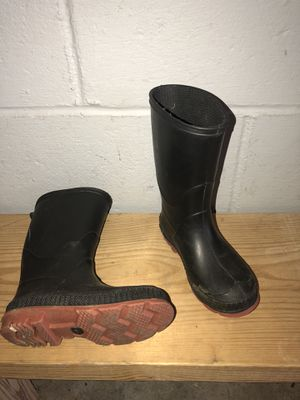 Kids rain boots size 10 for Sale in Pittsburgh, PA