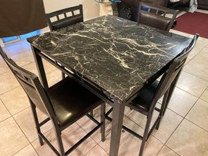 Kitchen table 4 chairs for Sale in Riverview, FL