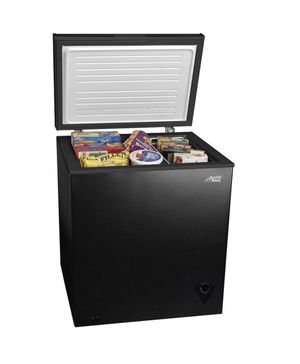 Arctic King 7 cu ft Chest Freezer, Black for Sale in Queens, NY
