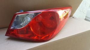 2011 Hyundai Sonata tail light assembly LH for Sale in Pembroke Pines, FL