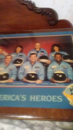 American's heroes who died in1 n space in1986 with all their name for Sale in Simpsonville, SC