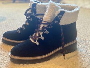 Women's Boots 8.5 for Sale in Kirkland, WA