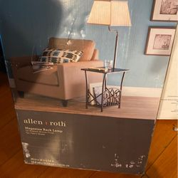 Magazine Rack lamp for Sale in Los Angeles,  CA