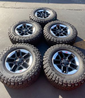 "(5) 17"" Jeep Rubicon Wheels 285/70R17 Falken Wildpeak M/T - $1250 for Sale in Santa Ana, CA"