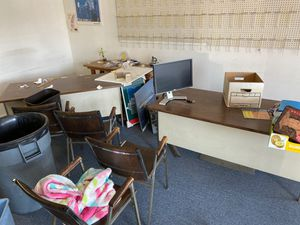 Free office desks and chairs for Sale in East Los Angeles, CA