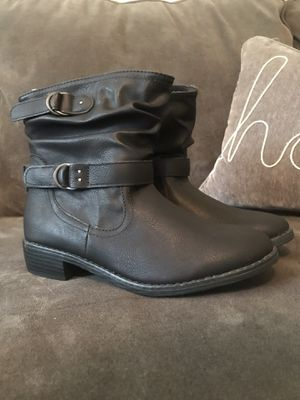 Girls Boots Size 4 for Sale in Raytown, MO